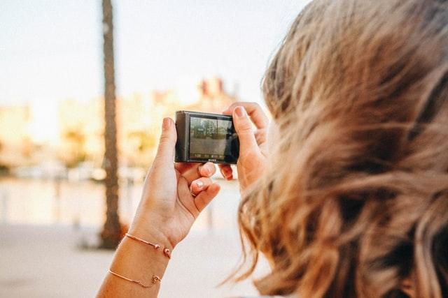 aparat na podróż, co zabrać w podróż