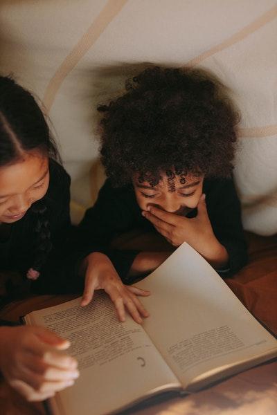 co czytać w marcu dzieciom